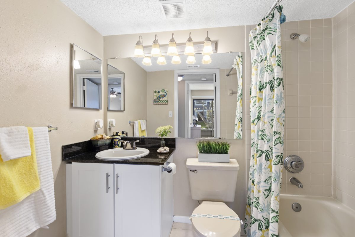 Bathroom after Virtual staging