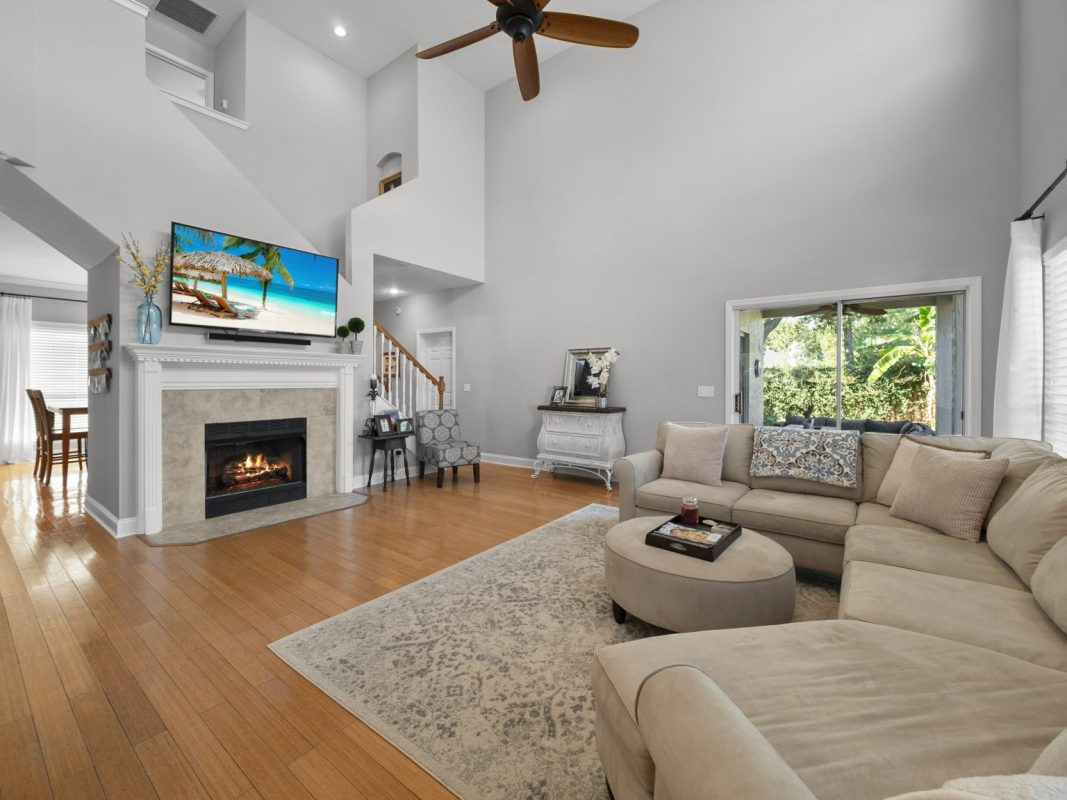 Real Estate Photo Blending outsourcing